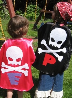 custom kids capes,pirate costumes