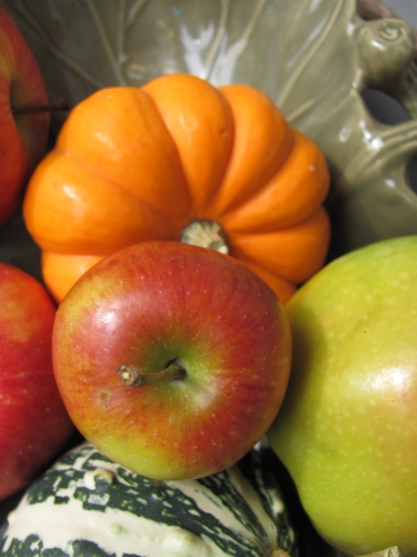 harvest,fall apples,fall fruit,fall still life